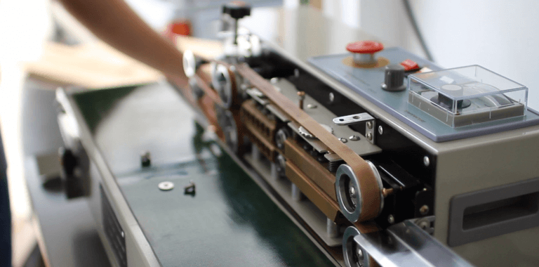 ưu điểm của máy hàn miệng túi tự động băng chuyền AS02
